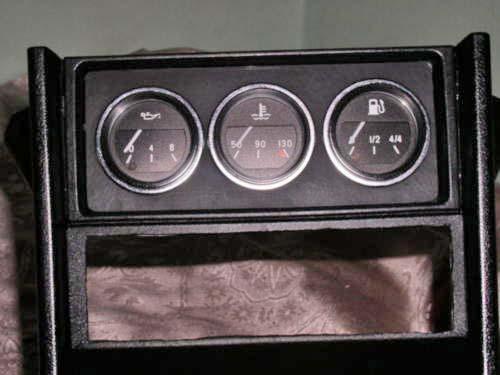 Не мало получается.  У меня на ВАЗ 2106 с завод стоит датчик давления масла, может оттуда перенять технологию.